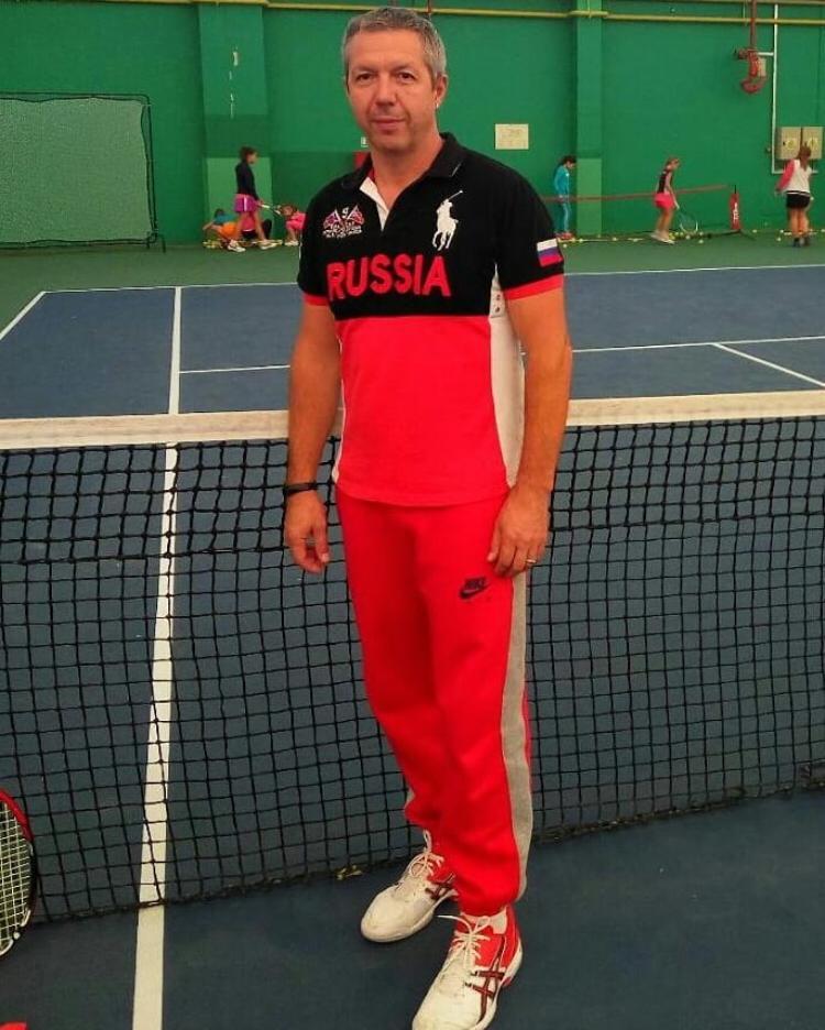 Поздравляем с днём рождения тренера по теннису МБУ СШ №7 МОГК — Алексеева Владимира Александровича!