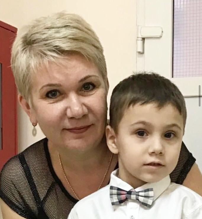 Поздравляем с днём рождения старшего тренера по теннису МБУ «СШ №7» МОГК — Елену Евгеньевну Семерикову!